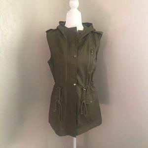 Women's utility vest
